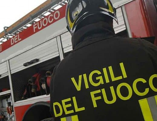 Photo of Incendio a Buonabitacolo: in fiamme un sottotetto