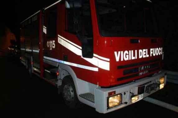 incidente-baronissi-camion-balcone-sava