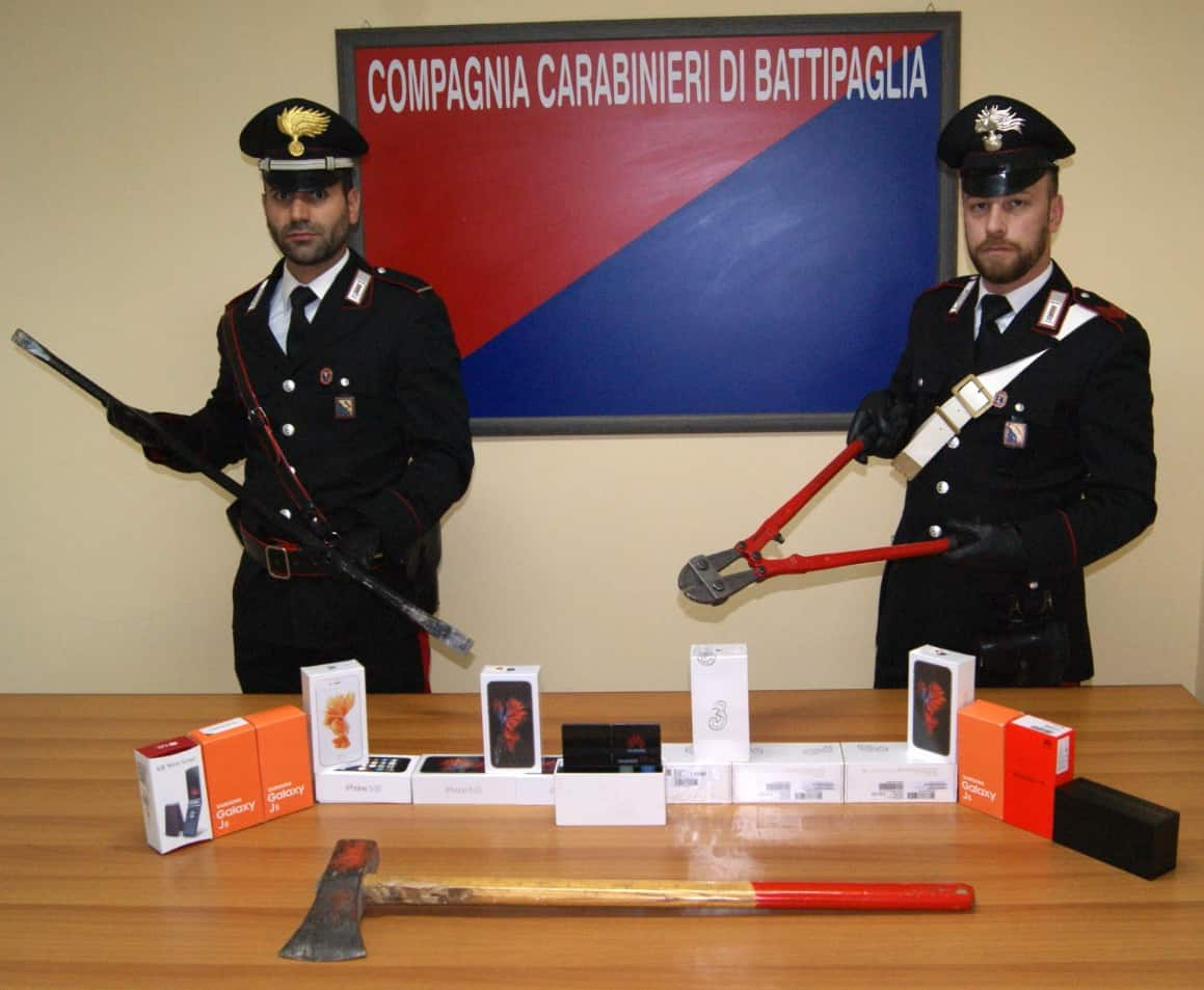 Photo of Battipaglia, furto da Telefonia Lecce. I carabinieri trovano la merce