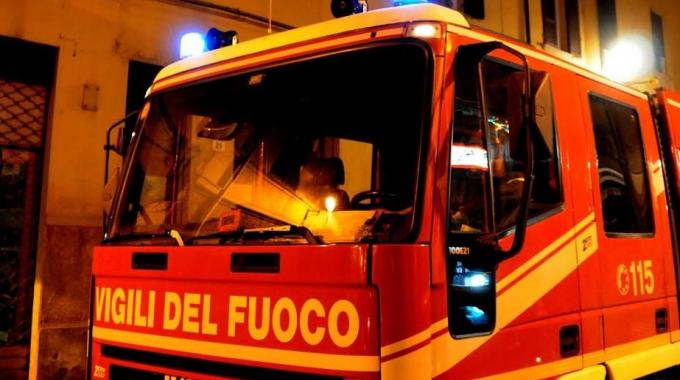 Photo of Incendio in un'abitazione: canna fumaria va in fiamme
