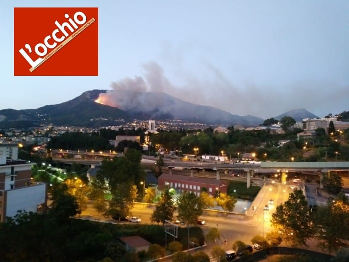 Photo of Divampano le fiamme al Monte Stella, residenti terrorizzati – VIDEO