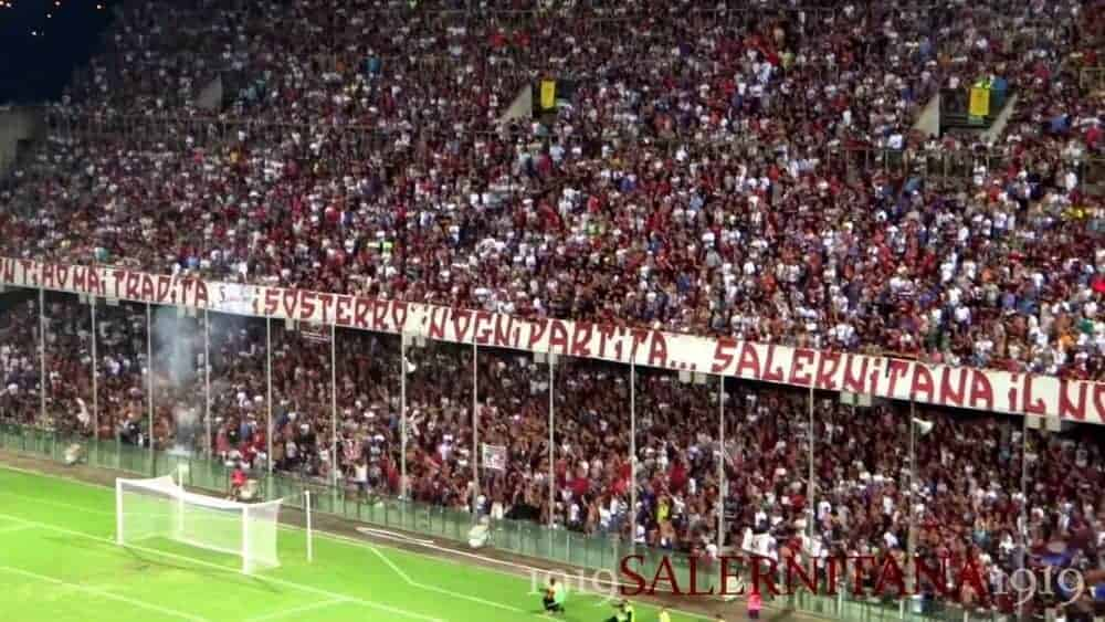 salernitana curva-2