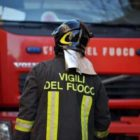 Nocera, incendio in un appartamento: agente immobiliare salva una donna