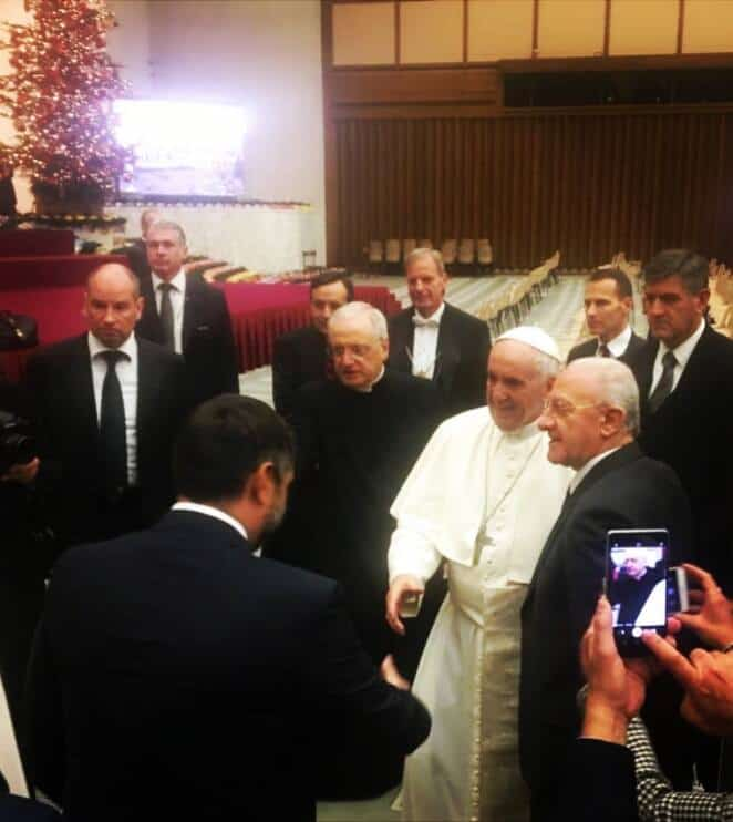 Photo of De Luca da Papa Francesco per donare il presepe di Montevergine