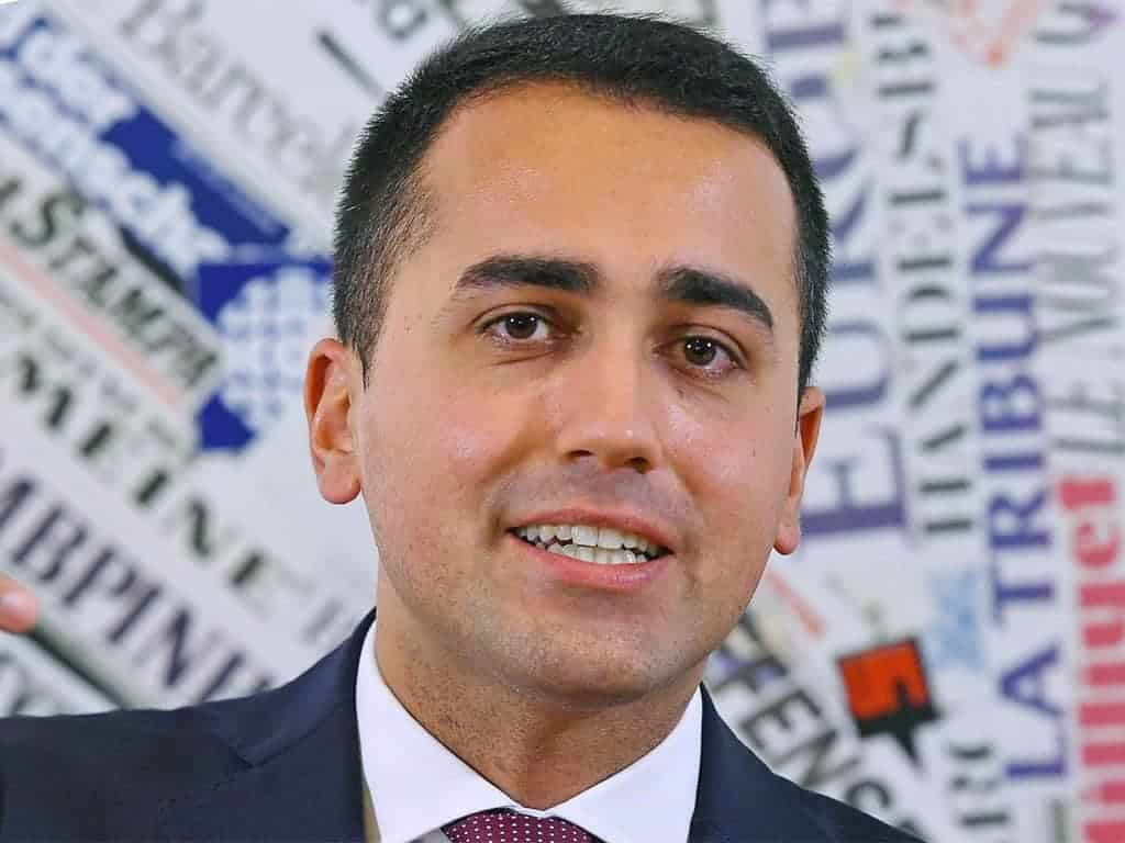 "Photo of Di Maio al Pd: ""Sotterriamo l'ascia di guerra, diamo un governo al Paese"""