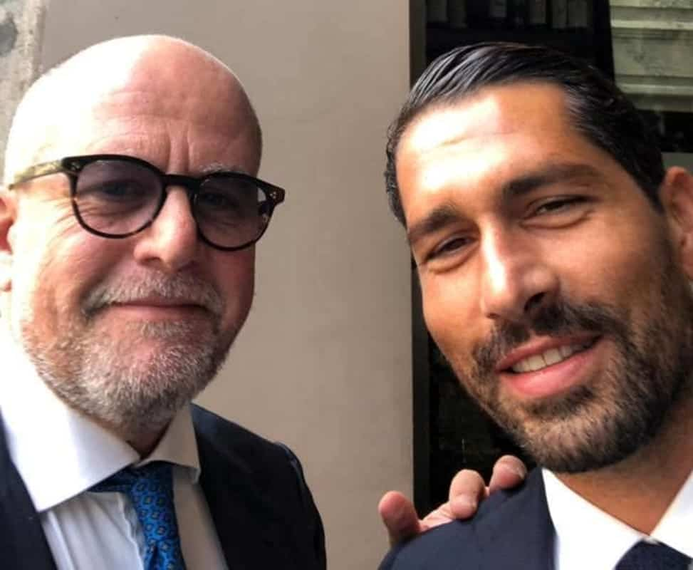 Photo of Il commercialista di Salerno Gennaro Esposito ad Ibiza con Marco Borriello per rilanciare il calcio