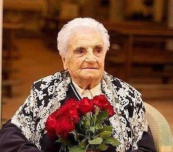 Photo of Nonna Nunziatina spegne 105 anni: festa a Ravello