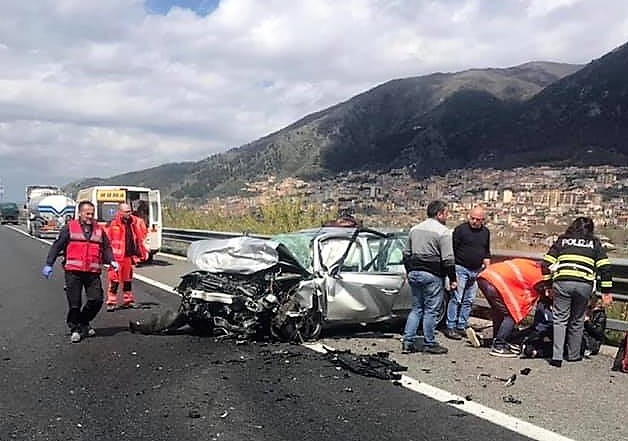 incidente-autostrada-anziano-A2