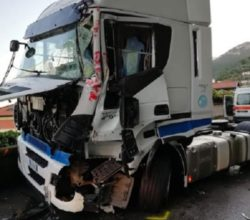 incidente-salerno-viadotto-gatto-camion