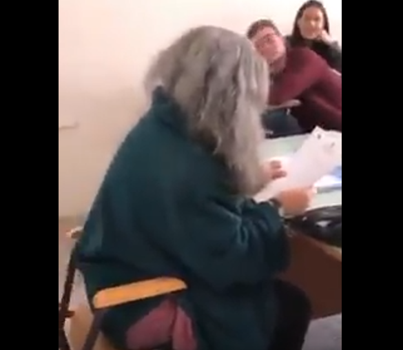 "Photo of Salerno, professoressa bullizzata al Regina Margherita: ""Un adulto dietro la diffusione del video"""