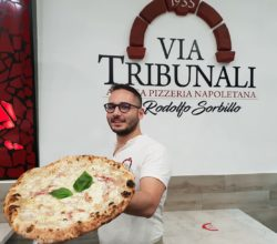 salerno-pizza-luci-artista-sorbillo