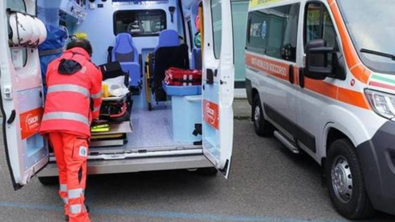 Photo of Incidente a Pagani, auto perde il carburante: ciclista scivola e finisce in ospedale